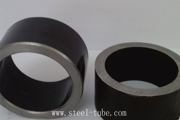 Cut the long steel pipe into small joints